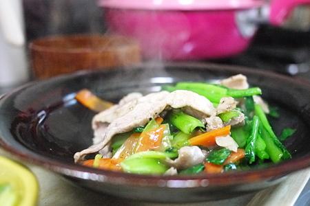 豚肉と小松菜の中華風炒め 2