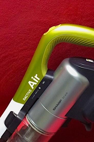 サイクロン式スティック掃除機