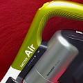 写真: サイクロン式スティック掃除機