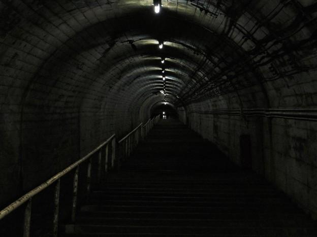 階段上部に人が・・・