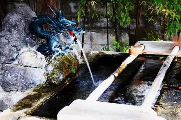 野沢成田山薬師寺の手水