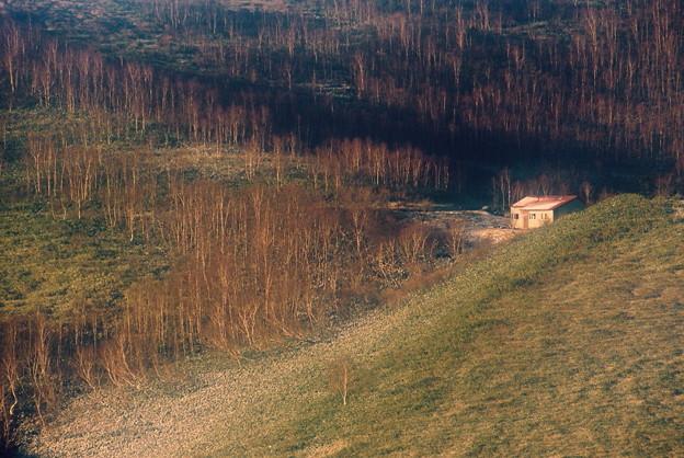 晩秋の山小屋