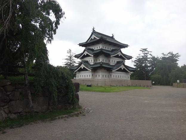 移動した弘前城天守