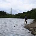 写真: ダム湖にて