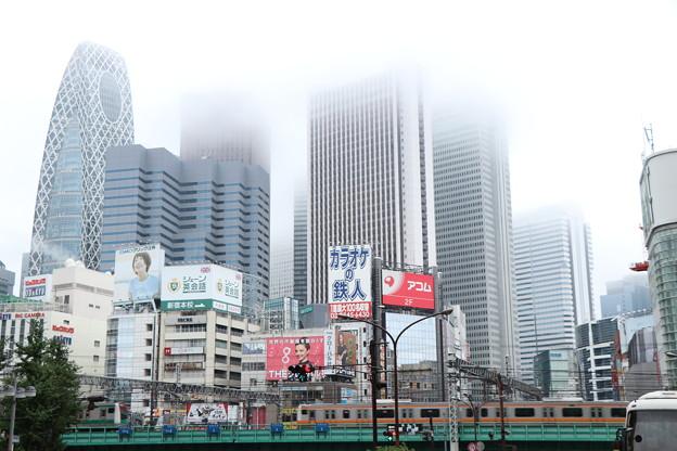 雨の新宿3