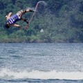写真: 湖上の飛び魚♪
