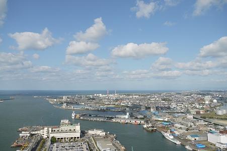 新潟港の青空