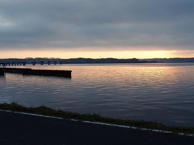 朝焼けの橋