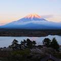 写真: 精進湖にて2