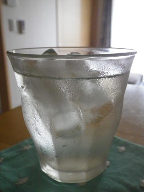 写真: 梅シロップ炭酸水割2