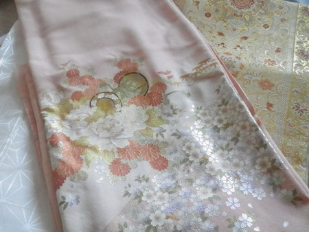 桜色の色留袖