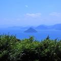 写真: 瀬戸の島影