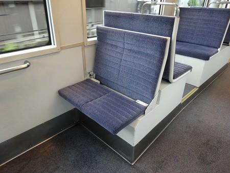 MLRV1000-補助座席2展開