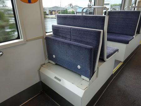 MLRV1000-補助座席2