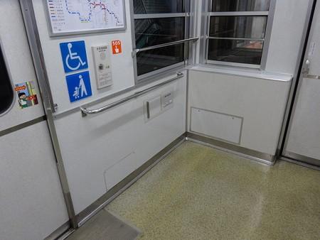 10-車椅子スペース