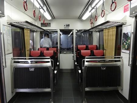 80EN-乗務員室仕切