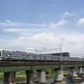 写真: 普通列車が行く