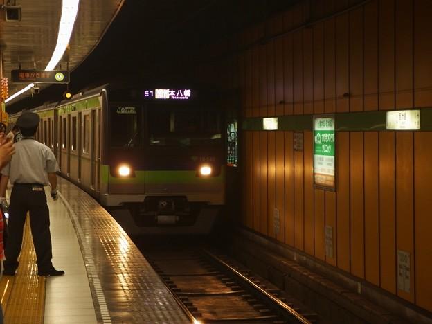 都営新宿線西大島駅2番線 都営10-540F各停本八幡行き進入