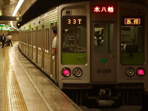 都営新宿線住吉駅2番線 都営10-260F各停本八幡行き前方確認