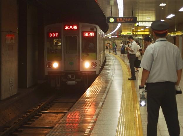 都営新宿線曙橋駅2番線 都営10-240F各停本八幡行き進入