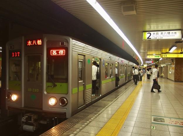 都営新宿線曙橋駅2番線 都営10-240F各停本八幡行き
