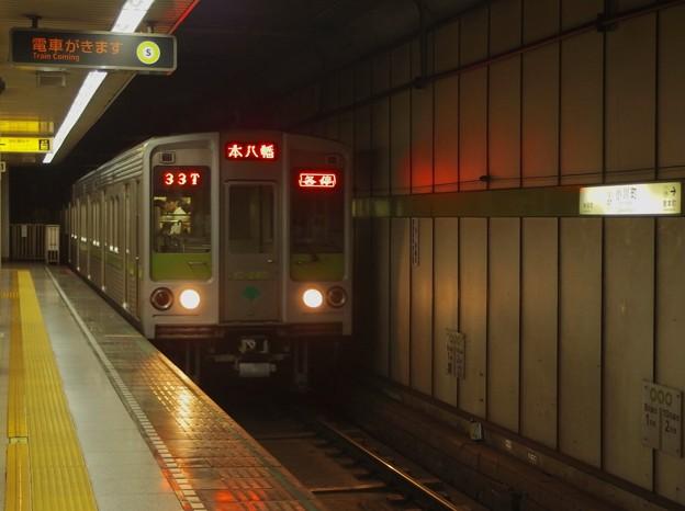 都営新宿線小川町駅4番線 都営10-240F各停本八幡行き進入