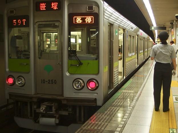 都営新宿線小川町駅3番線 都営10-250F各停笹塚行き