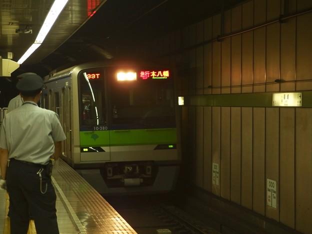 都営新宿線篠崎駅2番線 都営10-250F急行本八幡行き進入