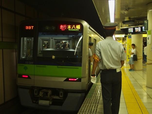 都営新宿線篠崎駅2番線 都営10-380F急行本八幡行き停止位置よし