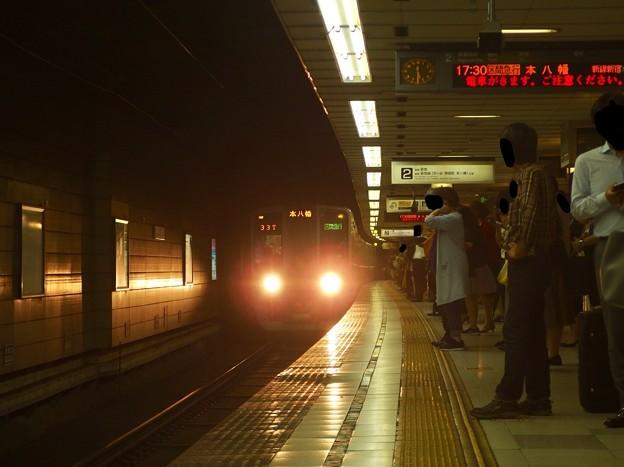 京王新線初台駅2番線 都営10-280F区急本八幡行き進入(2)