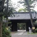 Photos: 建物の門