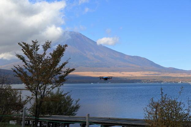 富士山とドローン