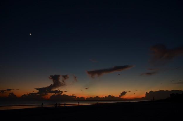 写真: The Blue Hour I 9-23-17