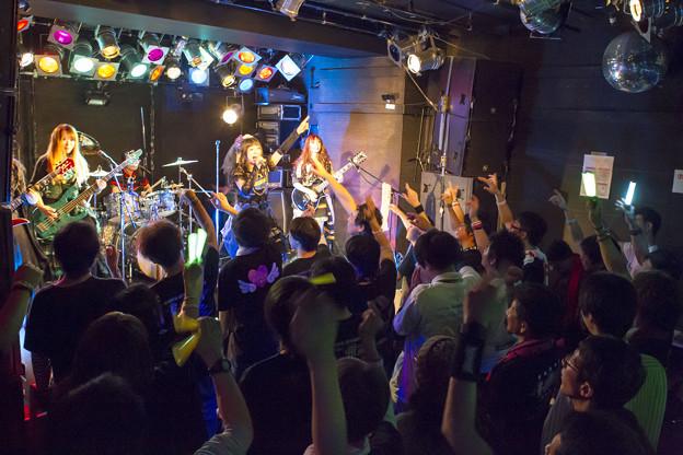 Photos: FullMooN,恵比寿clubaim  BUD74C7410