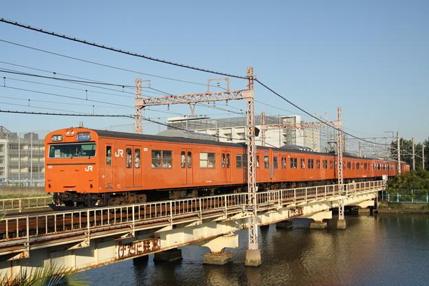 103系LA04編成(六軒屋川橋梁)