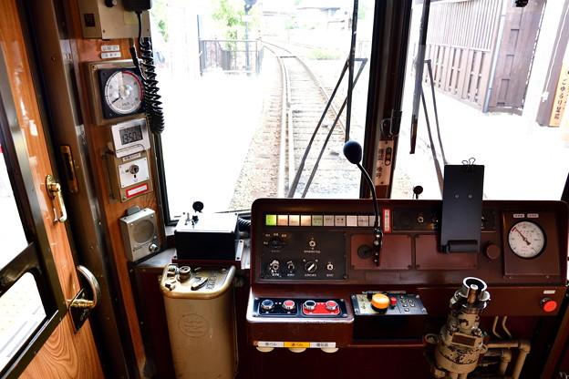 2017_0924_135041 27号車の運転台