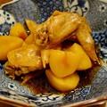 写真: 鶏手羽先とじゃが芋の煮物