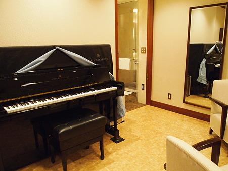 ピアノもあります