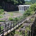 沈堕の滝と遊歩道