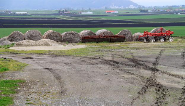 赤い農機具