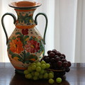 Photos: 壷と葡萄