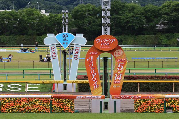 東京競馬場 ゴール板(17/05/14・第12回 ヴィクトリアマイル)