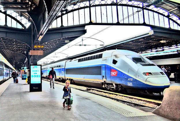 TGVと女の子
