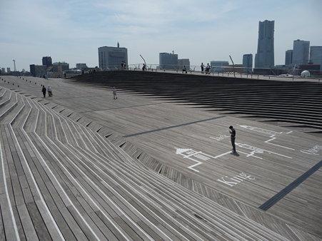 090602-大桟橋 くじらのお腹入口