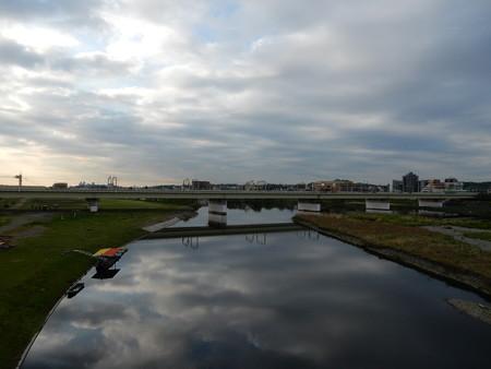 京急大師線と工業地帯
