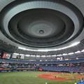 写真: 京セラドーム大阪の天井