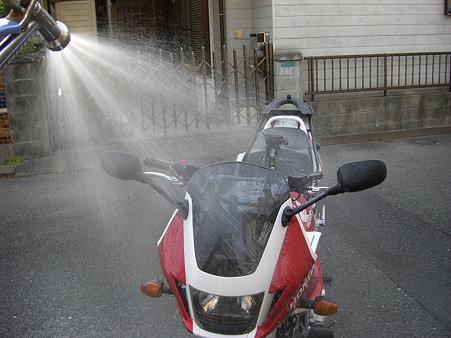 汚れたので早速洗車