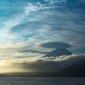 写真: 朝の富士山