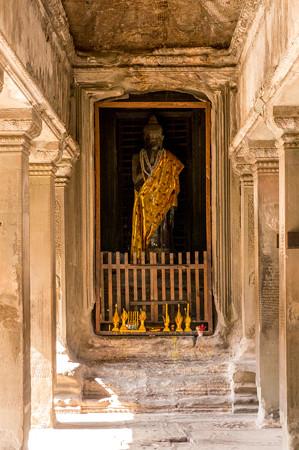 中央祠堂に祀られている仏陀像