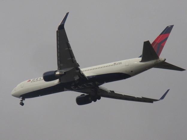 DELTA  767-300ER  N156DL 2